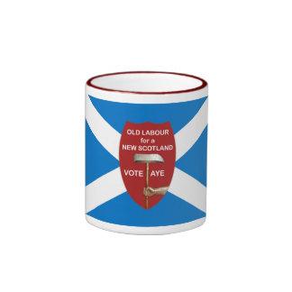 Taza escocesa vieja de la bandera de la