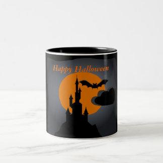 Taza fantasmagórica de Halloween del castillo