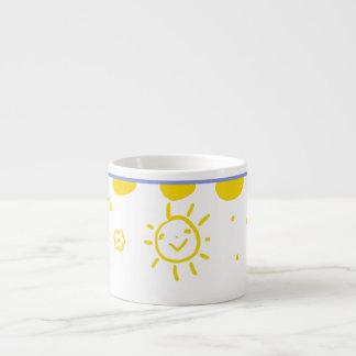 Taza feliz de la sol en amarillo tazitas espresso