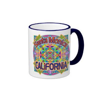 Taza feliz de la taza de Santa Mónica CALIFORNIA