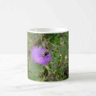 Taza floral/de la abeja