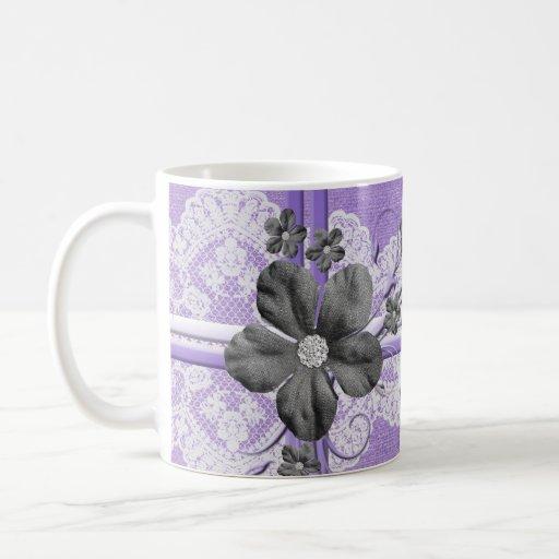 Taza floral de la arpillera del cordón púrpura de