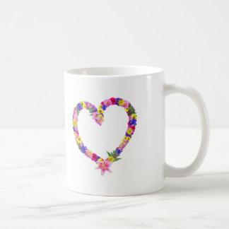 Taza floral del corazón