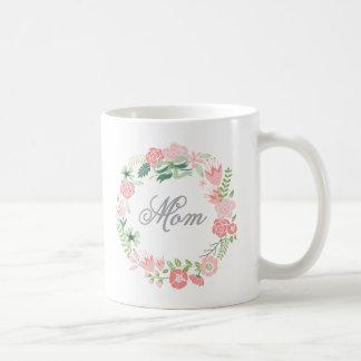 Taza floral del día de madre de la guirnalda el |