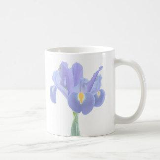 Taza floral del iris bonito