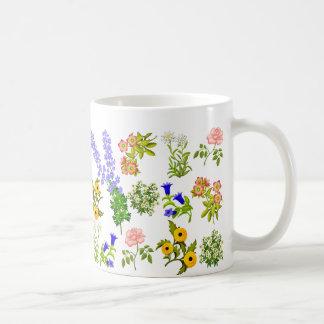 Taza floral del jardín europeo