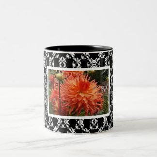 Taza floral elegante del regalo del damasco de las