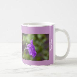 Taza floral, púrpura y verde de Ruellia (petunia