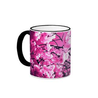 Taza floreciente de la flor