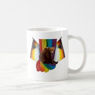 Taza gay del orgullo del oso