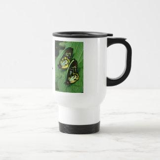 Taza gemela del viaje de las mariposas