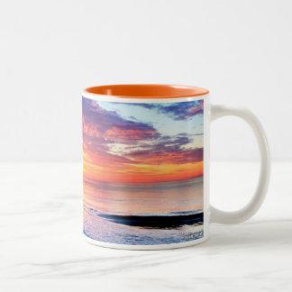 taza gloriosa de la salida del sol