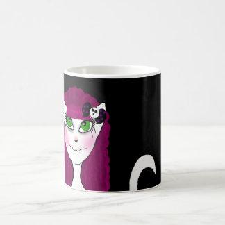 Taza gótica rosada del gato