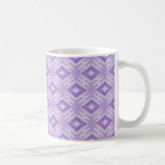 Taza grande del modelo de los diamantes púrpuras