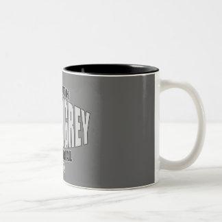 Taza gris del logotipo de la correa de Damon