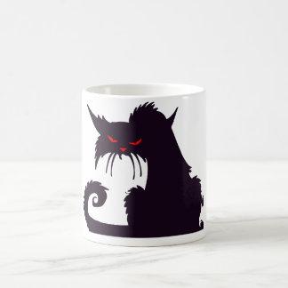 Taza gruñona del gato negro
