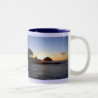 Taza hawaiana de la puesta del sol