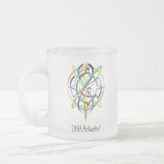 Taza helada átomo activada DNA