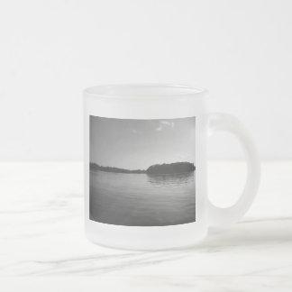 Taza helada fotografía del paisaje del lago