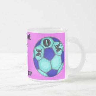 Taza helada mamá orgullosa del fútbol