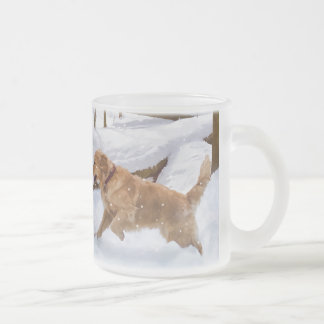 Taza helada perro del golden retriever