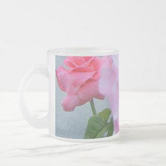 Taza helada rosas