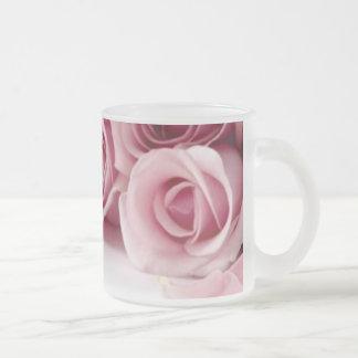 Taza helada rosas rosados