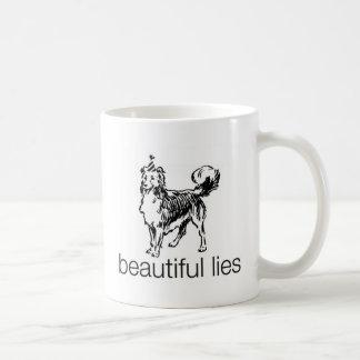 Taza hermosa de las mentiras