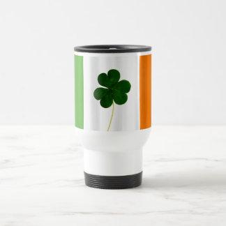 Taza irlandesa de Irlanda del trébol de la bandera