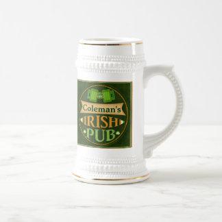 Taza irlandesa del Pub del día de St Patrick perso