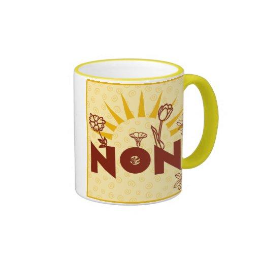 Taza italiana de la taza de la abuela del amarillo