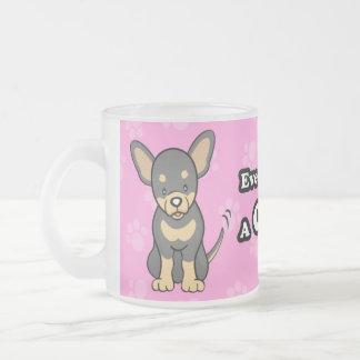 Taza linda de la chihuahua del perro del dibujo