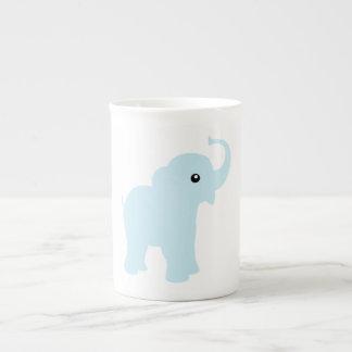 Taza linda de la porcelana de hueso del elefante d