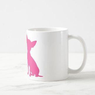 Taza linda de la silueta del perro rosado de la ch