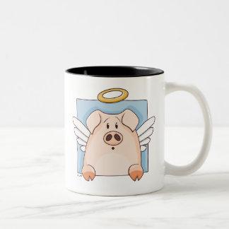 Taza linda del cerdo del ángel del dibujo animado