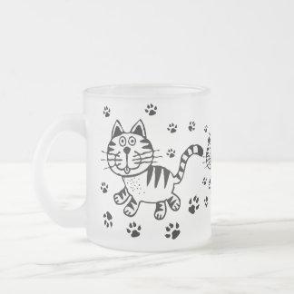 Taza linda del vidrio esmerilado del gato