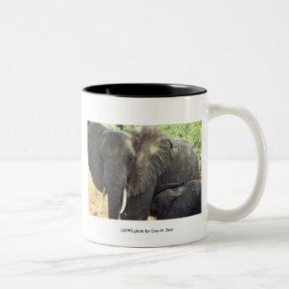 Taza/madre y bebé del elefante taza de dos tonos