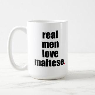 Taza maltesa del amor real de los hombres