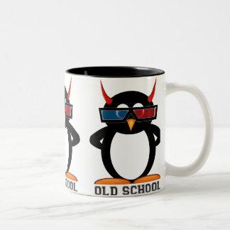 Taza malvada de la escuela vieja 3D de Penguin™