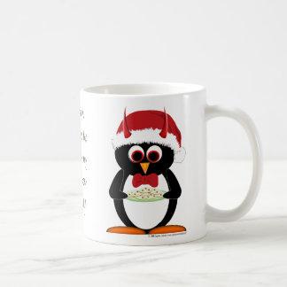 Taza malvada del navidad del pingüino