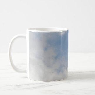 Taza mullida de las nubes