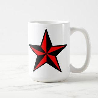 Taza náutica roja y negra de la estrella