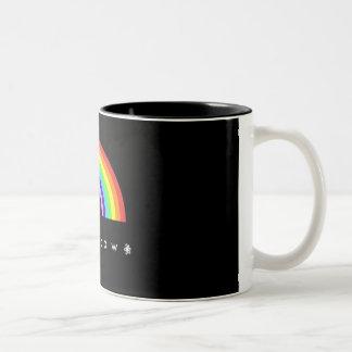 Taza negra del arco iris