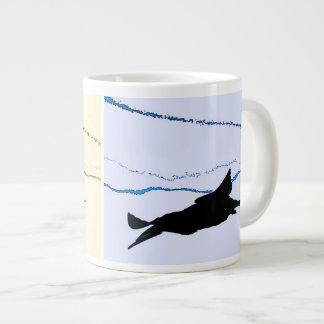 Taza negra del jumbo del pájaro de la desnatadora