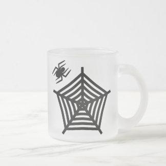 Taza negra fantasmagórica del vidrio esmerilado de
