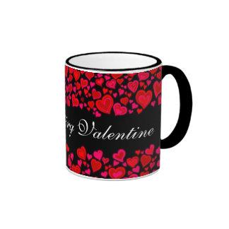 """Taza negra rosada roja de los corazones de """"mi tar"""