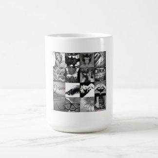"""Taza negra y blanca del collage de los """"días felic"""