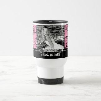Taza negra y rosada personalizada de la lámpara