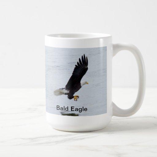 Taza o Stein con la pesca de Eagle calvo