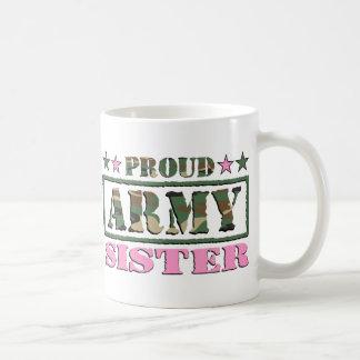 Taza orgullosa de la hermana del ejército